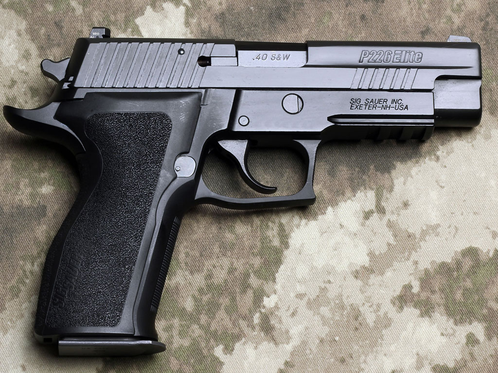 sig sauer p226 enhanced elite combat rifle